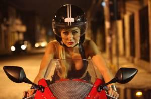 Sabrina Sato posa como motoqueira para filme e busca nova cobertura em São Paulo