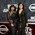 Nicki Minaj também levou a mãe, Carol Maraj, ao BET Awards 2015