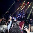 Neymar dançou ao som de Anitta em um show realizado pela cantora na noite de doningo, dia 28 de junho de 2015