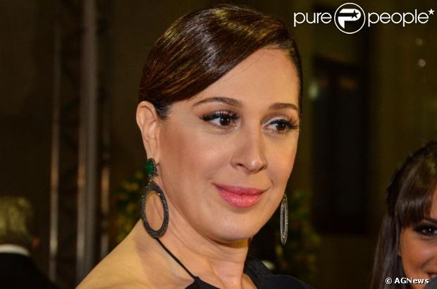 Claudia Raia vai estar na biografia de Alexandre Frota. Atriz disse ao jornal carioca 'Extra' que acha isso lamentável, em 18 de junho de 2013