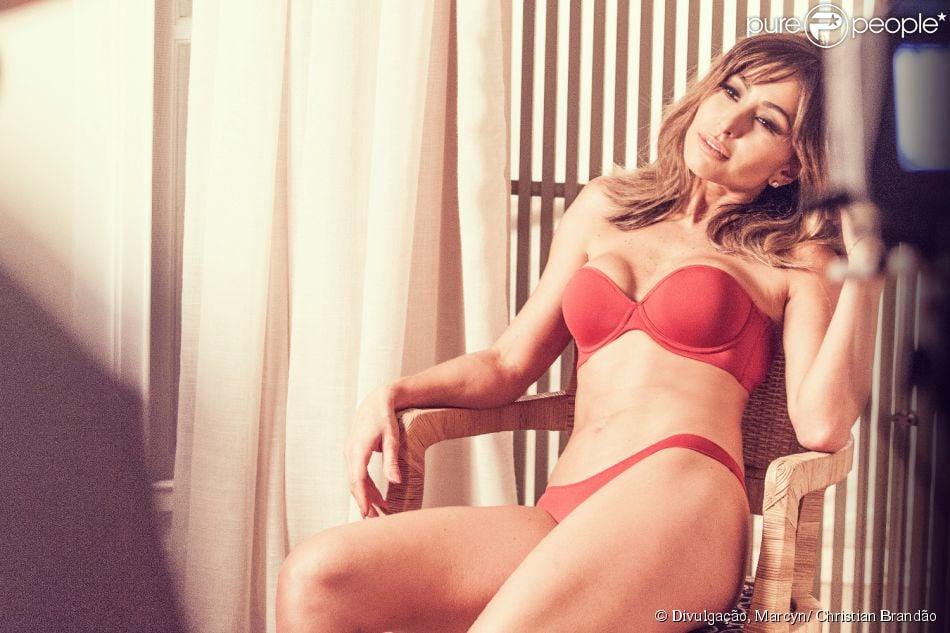 90f60b7a51511 Sabrina Sato posa sensual e mostra boa forma em campanha de lingerie ...