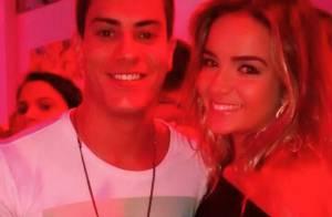 Arthur Aguiar curte festa com a nova namorada e Fernando e Aline, do 'BBB15'