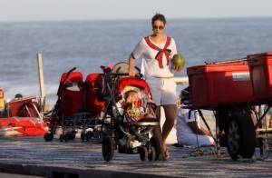 Luana Piovani passeia com o filho, Dom, na orla do Leblon, no Rio de Janeiro