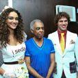 O casal aproveitou a oportunidade e visitaram o camarim de Gilberto Gil