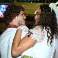 Débora Nascimento e José Loreto assistem ao show de Gilberto Gil na festa de São João