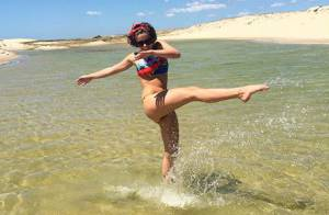 Isabella Santoni publica foto de biquíni e arranca elogios dos fãs: 'Perfeita'