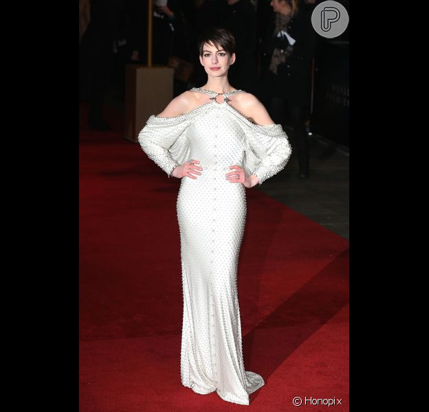 Anne Hathaway, que ficou dias sem comer para rodar o filme, na estreia mundial de 'Os miseráveis', na última quarta-feira, 5 de dezembro de 2012