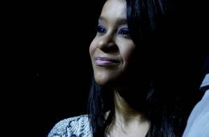 Bobbi Kristina Brown é enterrada ao lado da mãe, Whitney Houston, em Nova Jersey