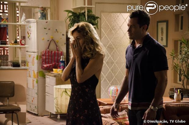 Glauce (Leona Cavalli) tenta seduzir Bruno (Malvino Salvador), mas acaba levando um fora, em 'Amor à Vida'