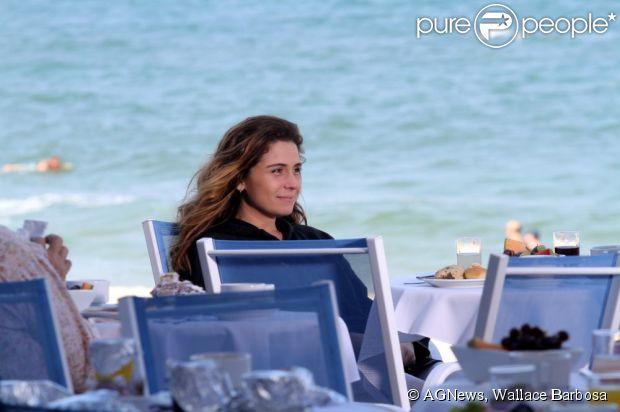 Giovanna Antonelli rodou cenas do filme 'SOS Mulheres ao Mar', na praia do Arpoador, Zona Sul do Rio de Janeiro, em 8 de julho de 2013