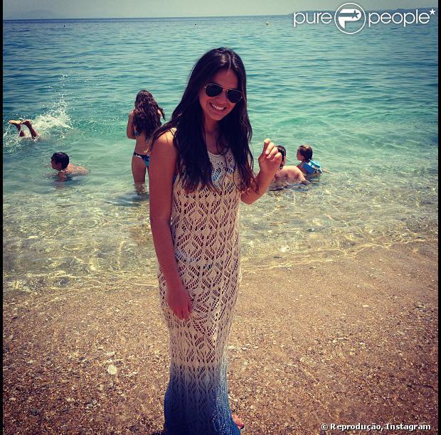 Bruna Marquezine curte a ilha de Corfu, na Grécia, em 19 de julho de 2013