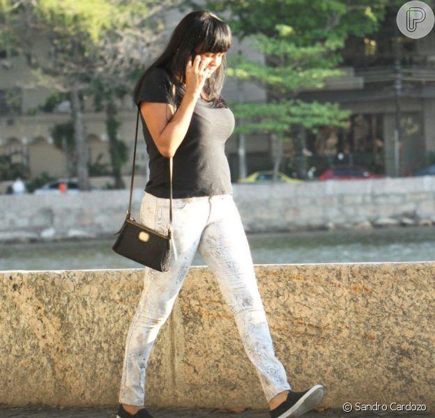 Viviane, vizinha que roubou o coração de Roberto Carlos, foi clicada com amigos no Rio de Janeiro