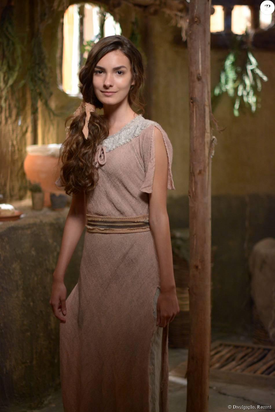 Antes de conquistar o papel de protagonista de 'Malhação', Marina Moschen fez uma participação na novela 'Os Dez Mandamentos', da Record