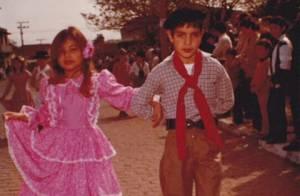 Patricia Poeta posta foto de quando era criança para lembrar Semana Farroupilha