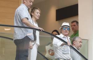 Rod Stewart vai à praia e almoça no Leblon antes de se apresentar no Rock in Rio