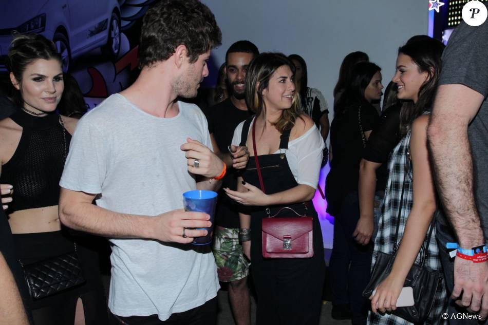 Fernanda Paes Leme confirmou o fim de seu relacionamento com o produtor Marcel Mangione, durante passagem pelo Rock in Rio: 'Estou solteira'