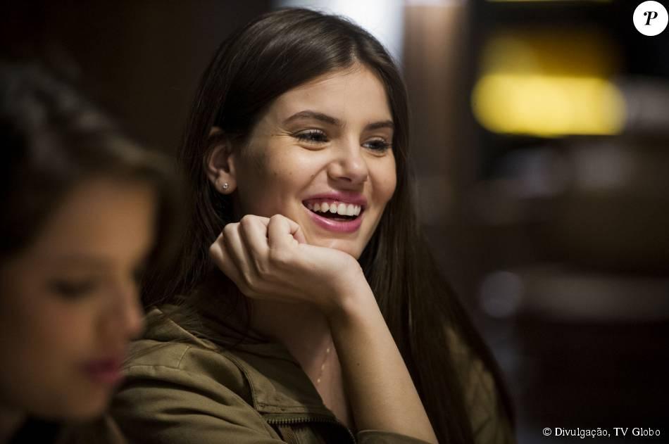 Camila Queiroz vai atuar com porca de estimação na novela 'Candinho'