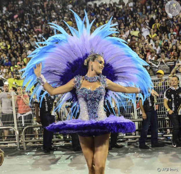 Ana Hickmann vai desfilar pela Grande Rio no Carnaval 2016, confirmou o promoter David Brazil ao Purepeople nesta segunda-feira, 21 de setembro de 2015