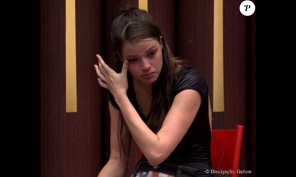Agatha Moreira não segurou as lágrimas em um ensaio do 'Dança dos Famosos', nesta quinta-feira, 24 de setembro de 2015, ao lembrar que 'Verdades Secretas' está chegando ao fim