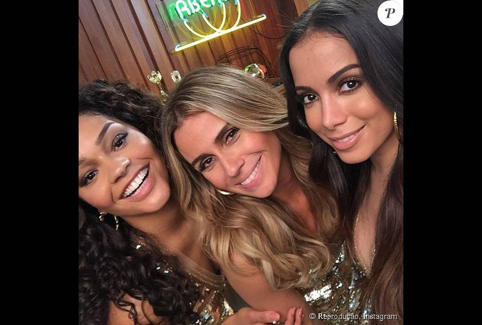 Anitta, Giovanna Antonelli e Juliana Alves ficaram superproduzidas para campanha de beleza. 'Também temos eu, que não vou ficar para trás', disse Anitta após elogiar as colegas na tarde desta quinta, 24 de setembro de 2015