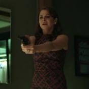 Tiro em 'Verdades Secretas' agita a web! 'Bolão: Carolina, Angel ou Alex?'