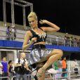 A ex-modelo Ana Hickmann, que exibe 1,20 de pernas, quer fazer mistério sobre o assunto até o próximo domingo
