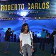 Glória Maria prestigiou o amigo Roberto Carlos em seu show na última sexta-feira, 9 de agosto, no Forte de Copacabana