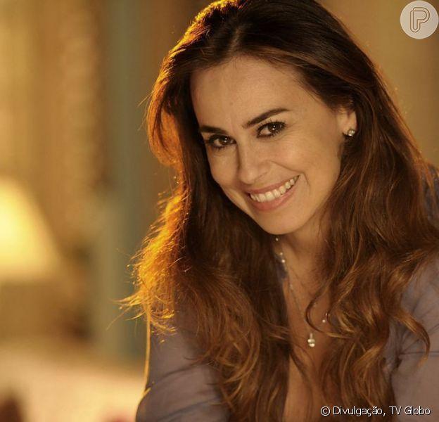 Natália (Daniela Escobar) diz a Doralice (Rita Guedes) que 'percebeu o tempo inteiro', mas não diz o quê, em cena de 'Flor do Caribe', em agosto de 2013