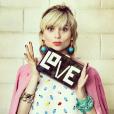 A bolsa LOVE é da grife italiana Le Petits Joueurs e custa R$3.370