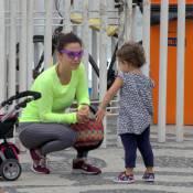 Guilhermina Guinle se diverte com a filha, Minna, de 2 anos, na praia. Fotos!