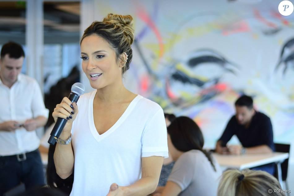 Claudia Leitte falou sobre o hit 'Corazón' nesta sexta-feira, dia 11 de dezembro de 2015, em São Paulo