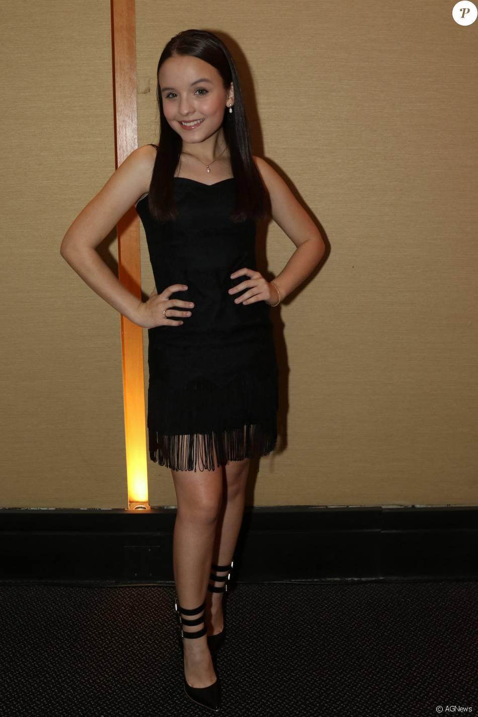 Larissa Manoela apesar da pouca idade já mostra estilo - Purepeople d2c0a83ba4