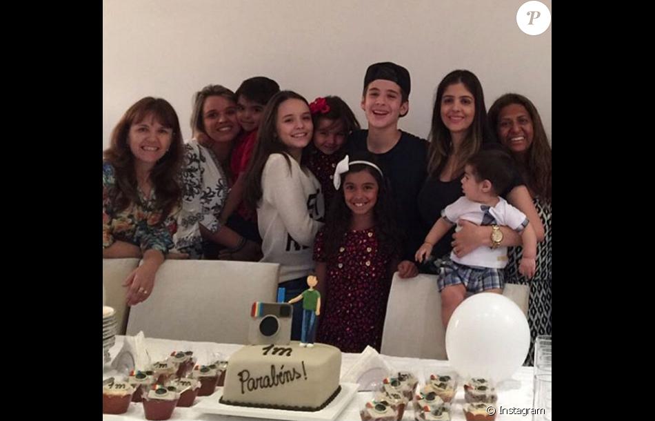 226e7f6d854b3 Larissa Manoela preparou uma festa para comemorar a marca de 1 milhão de  seguidores no Instagram de João Guilherme Ávila