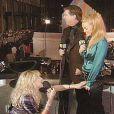 Durante o pós-show do VMA 1995, Madonna estava dando uma entrevista quando Courtney Love começou a jogar itens de sua bolsa de maquiagem na popstar. Depois, a viúva de Kurt Cobain interrompeu a entrevista e começou a falar sobre drogas, até que Madonna se irritou e saiu