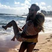 Henri Castelli curte férias na Bahia com a namorada: 'Felicidade com nome'