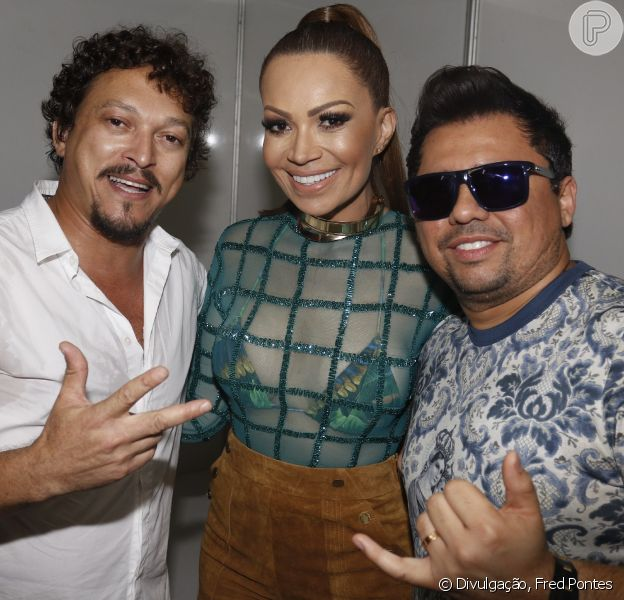 Fábio Lago, o Oziel de 'A Regra do Jogo', esteve no show do grupo Aviões do Forró, neste domingo, 27 de dezembro de 2015 e cantou a música de seu personagem: 'Safadim'