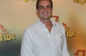Max Fercondini chega aos 28 anos fazendo sucesso como piloto em 'Flor do Caribe'