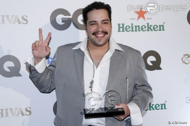 Tiago Abravanel conta em entrevista como é seu relacionamento com o avô, em 17 de dezembro de 2012