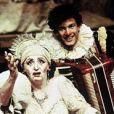 Laura Cardoso e Claudio Fontana no espetáculo 'Vem Buscar-me que Ainda Sou Teu', em 1990