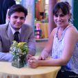 Juliano (Bruno Gissoni) e Natália (Daniela Escobar) também comparecem ao casamento de Ester (Grazi Massafera) e Cassiano (Henri Castelli), em 'Flor do Caribe'