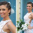 Grazi Massafera é clicada com o vestido de noiva que Ester vai usar para se casar com Cassiano (Henri Castelli) em 'Flor do Caribe'