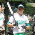 Uma das formas de Nick Jonas manter a boa forma é praticando esportes ao ar livre