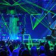 David Guetta usa e abusa de luzes e jogos de laser durante suas apresentações pelo mundo