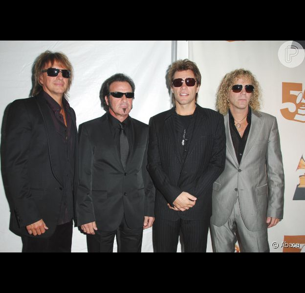 Da esq. para a dir.: O guitarrista Richie Sambora, o baterista Tico Torres, o vocalista Jon Bon Jovi e o tecladista David Bryan