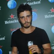 Thiago Rodrigues curte última noite do Rock in Rio acompanhado da ex-BBB Marien