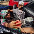 Anitta faz fotos ao lado de Victor Sparapane