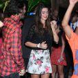 Thaila Ayala dança muito ao som de MC Federado e os Leleks
