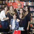 Gloria Pires também tem quatro filhos: Cleo, fruto de seu relacionamento com Fábio Junior; e Antonia, Ana e Bento, filhos da atriz com o músico Orlando Morais