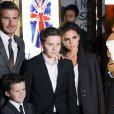 O ex-jogador de futebol David Beckham e a mulher, Victoria, são pais de quatro filhos: Romeo, Brooklyn, Cruz, além de Harper Seven