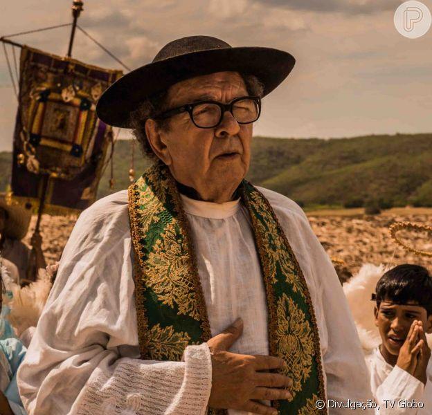 Umberto Magnani, o padre Romão da novela 'Velho Chico', está em coma profundo após sofrer um AVC, diz o colunista de TV Daniel Castro, nesta terça-feira, 26 de abril de 2016